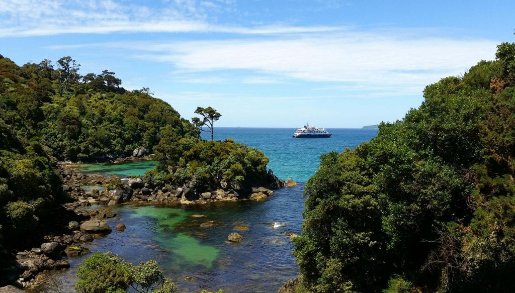 A beautiful photo of the ocean in stewart island in the southland region