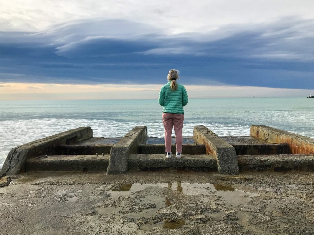 one of the best things to do in timaru is visiting the ocean at caroline bay. This photo is taken from Waimataitai beach just around the corner